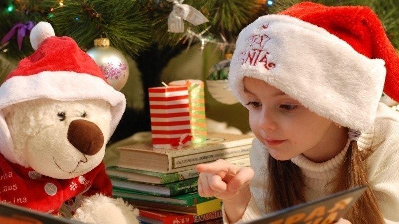 Harper Beckham singt Weihnachtssong